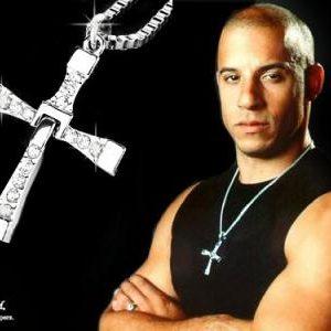 Rychle a zběsile kříž Dominic Toretto zlatý 66030f57ed